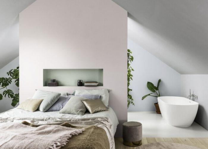 Tête de lit dans la suite parentale d'une nouvelle construction